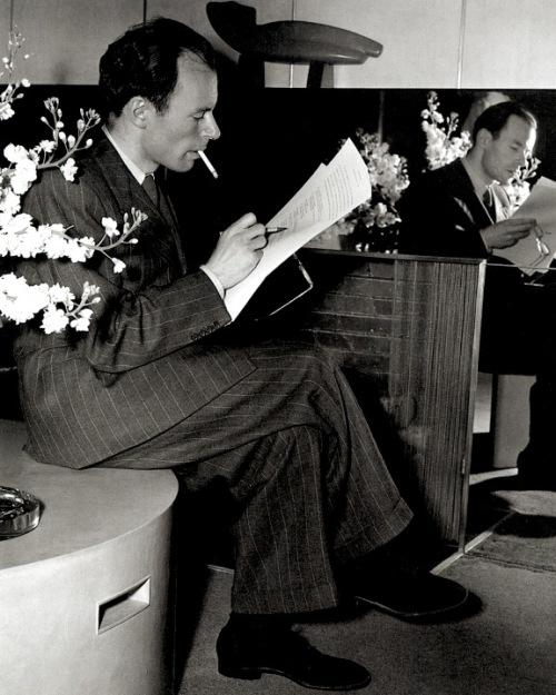 klaus_mann_in_hotel_bedford_new_york_ca_1939